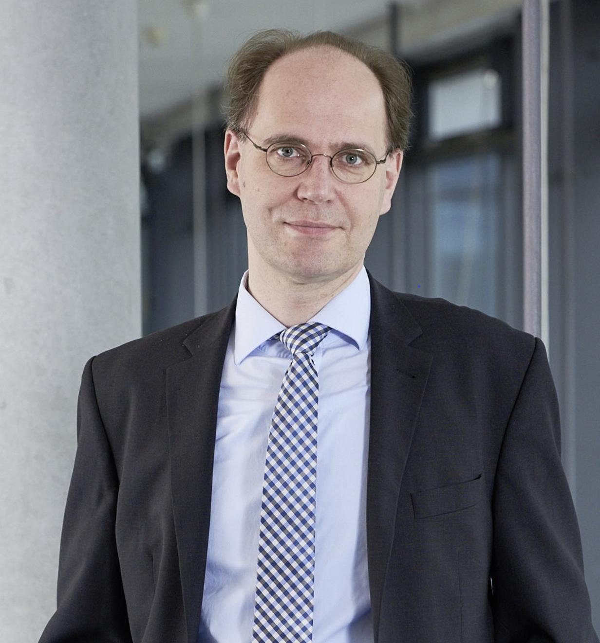 Portraitfoto Prof. Büttner